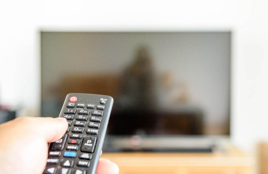 ドイツ生活サポート リモコンとテレビ