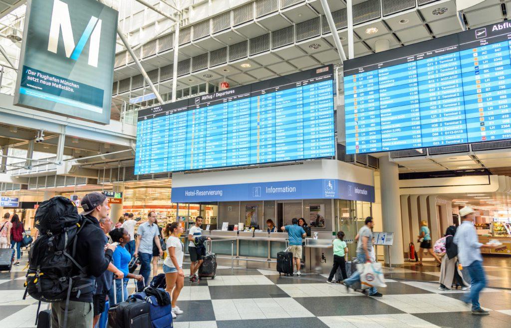 ミュンヘン空港の到着便掲示板