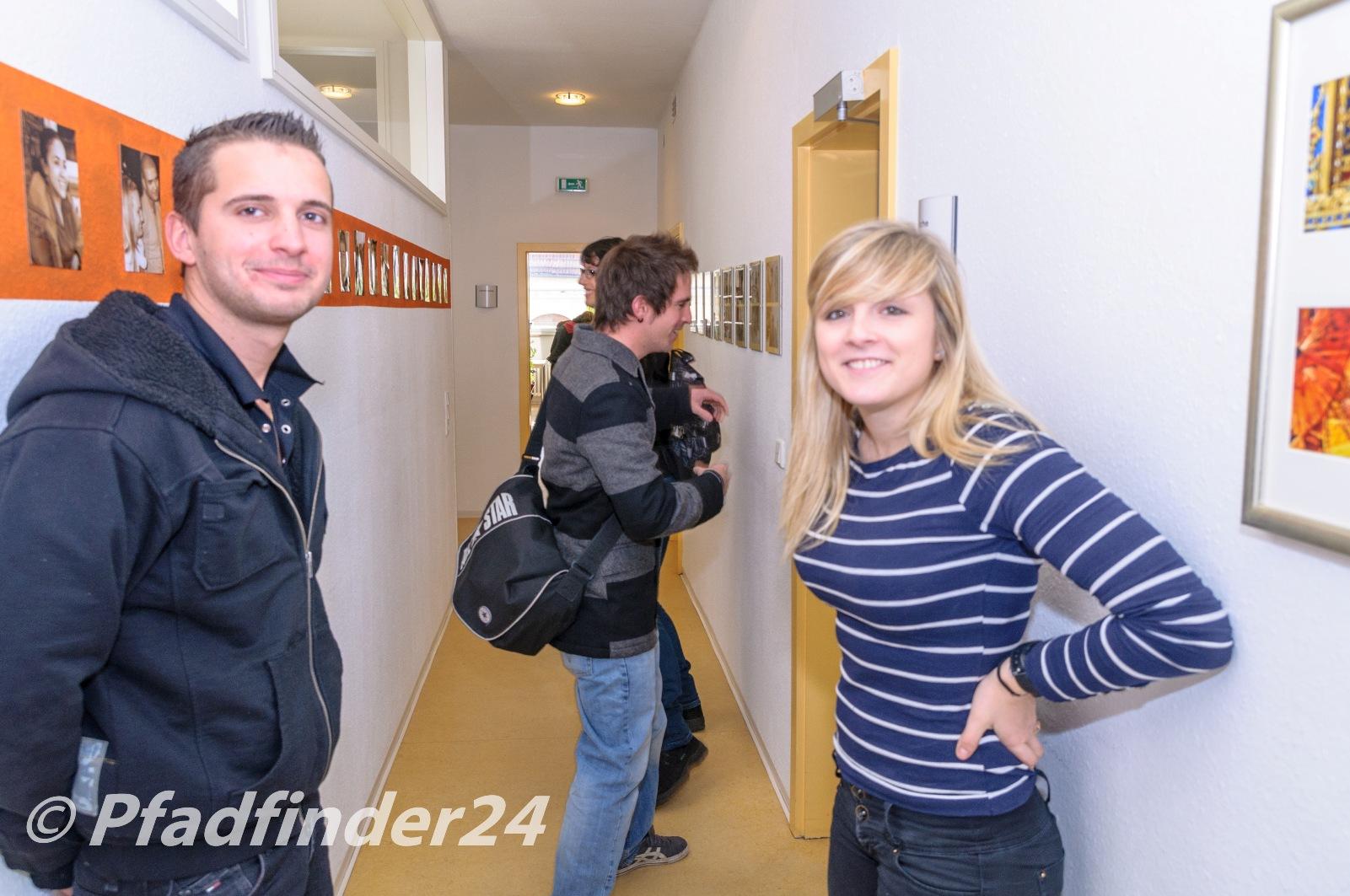 フライブルクの語学学校 zum Ehrstein 休憩中に談笑する生徒