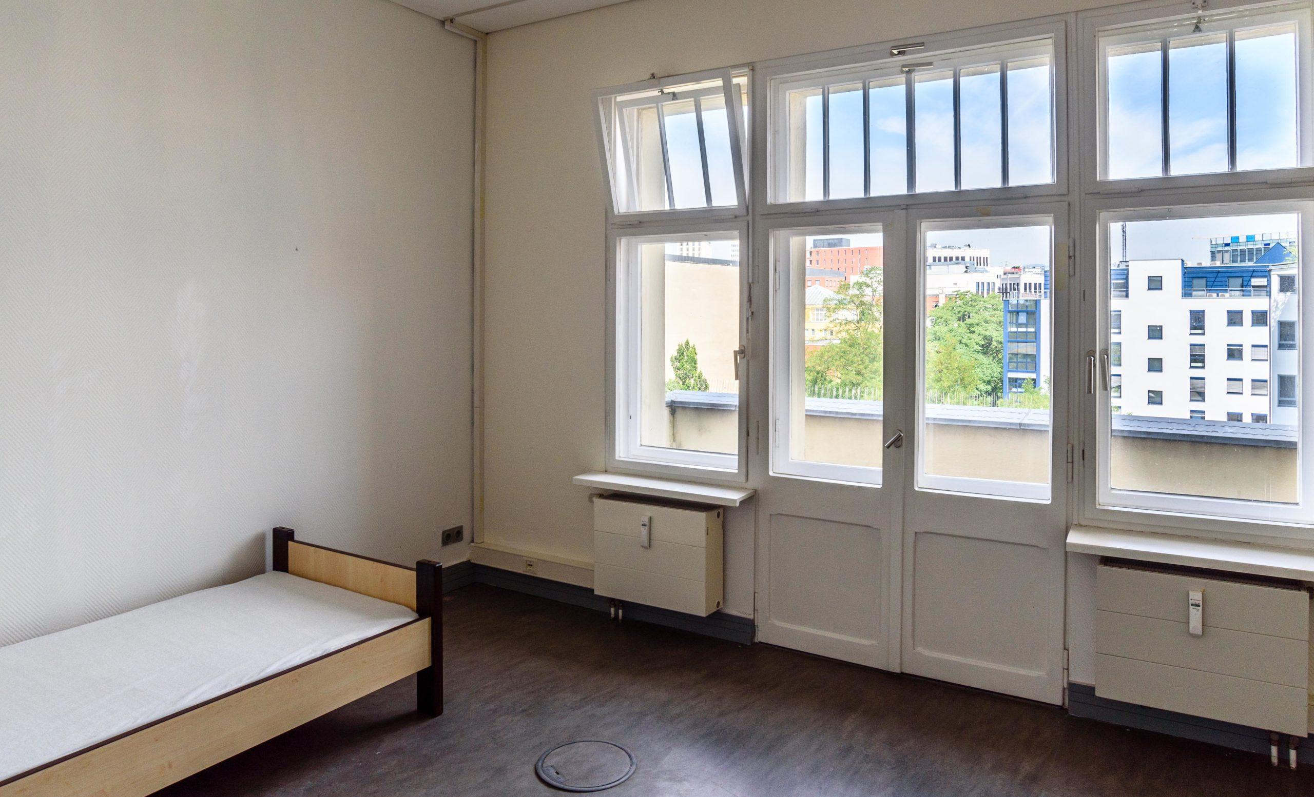学生寮部屋