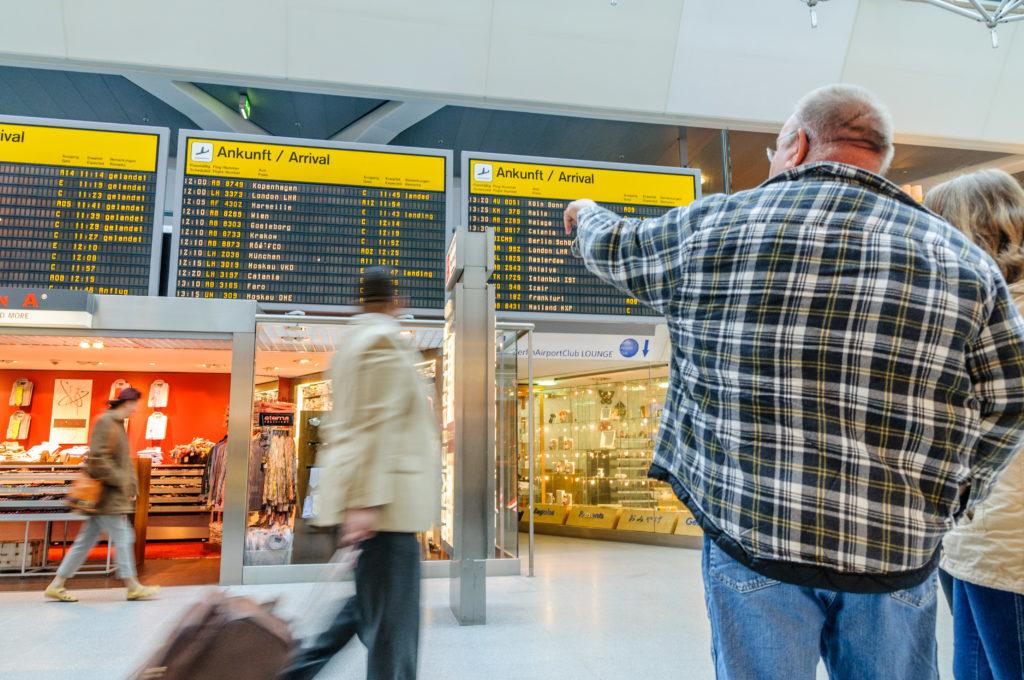 テーゲル空港の電光掲示板