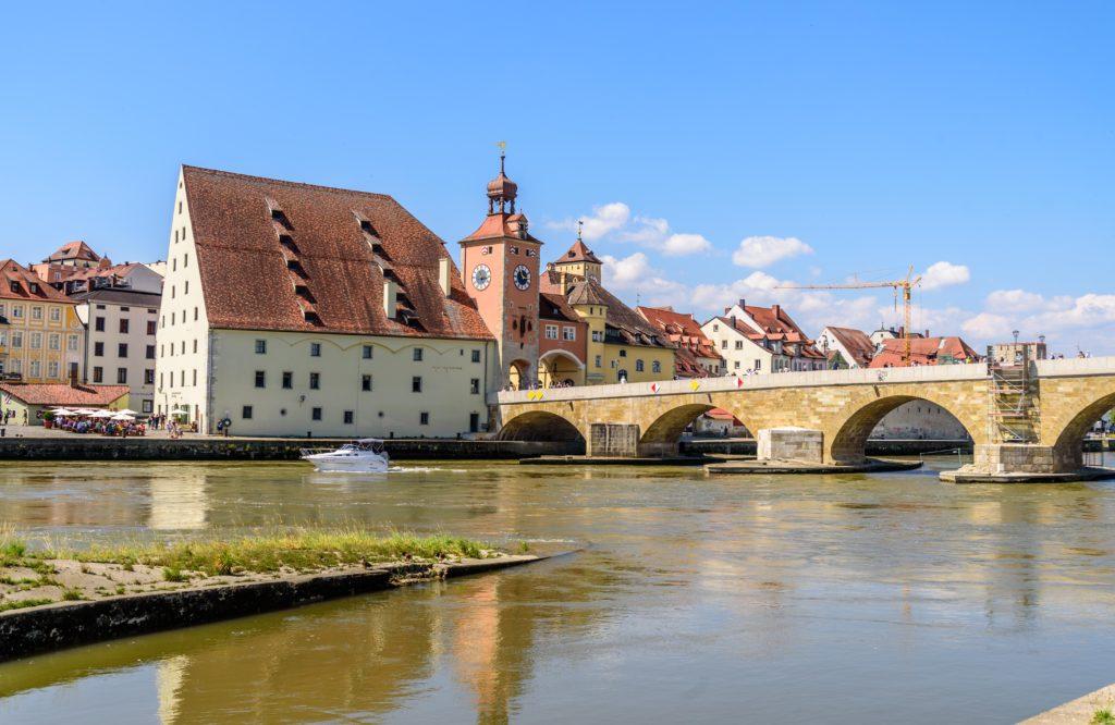 レーゲンスブルク ドイツ最古の石橋
