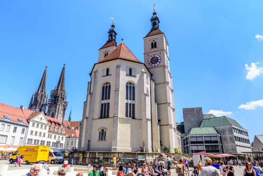 新主要教会 / Neupfarrkirche