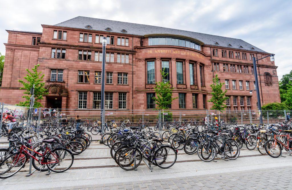 フライブルク 大学と大量の自転車