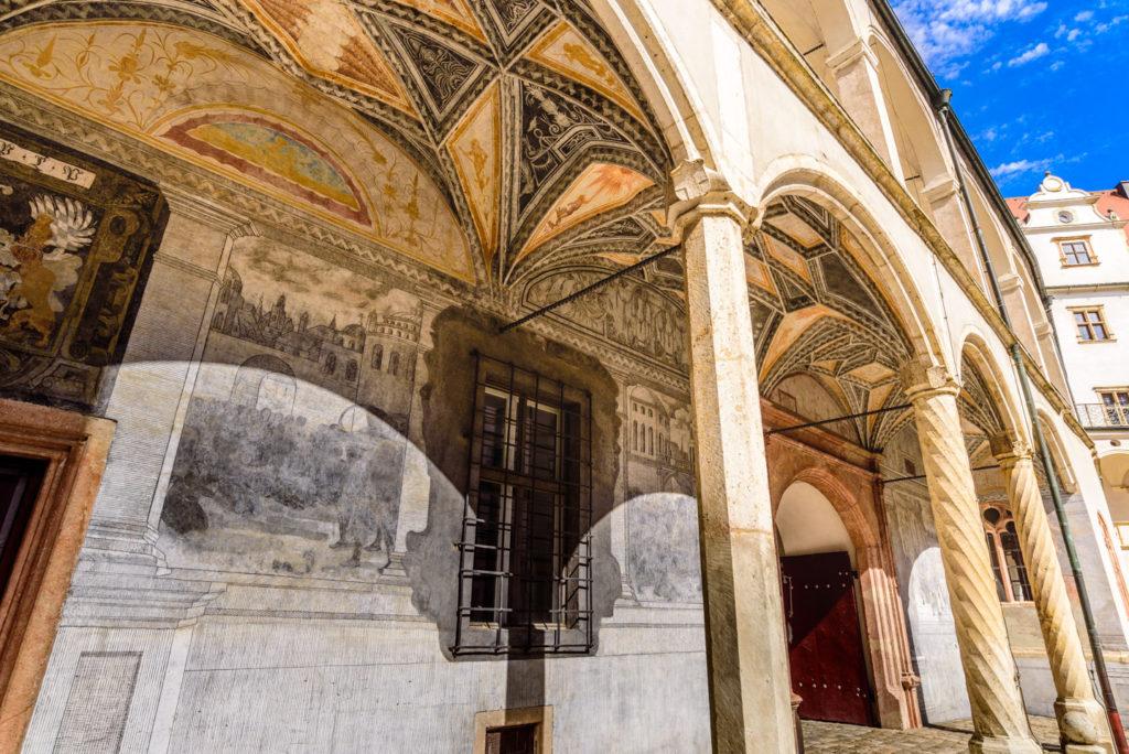 宮廷の壁画