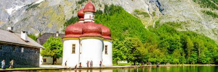ケーニヒスゼーに浮かぶ島の礼拝堂