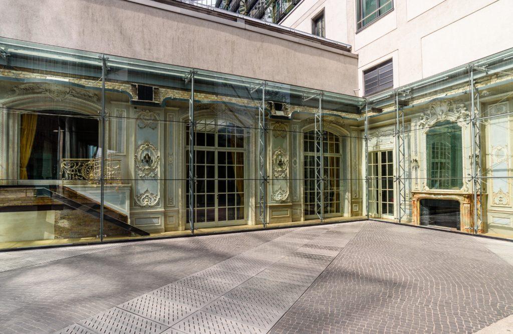 戦前の伝説的な高級ホテル Hotel Esplanade