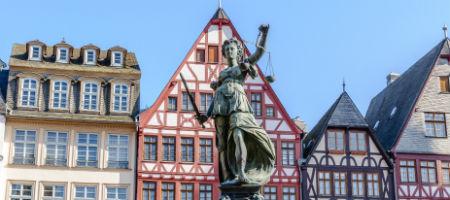 ドイツ留学 女神の石像
