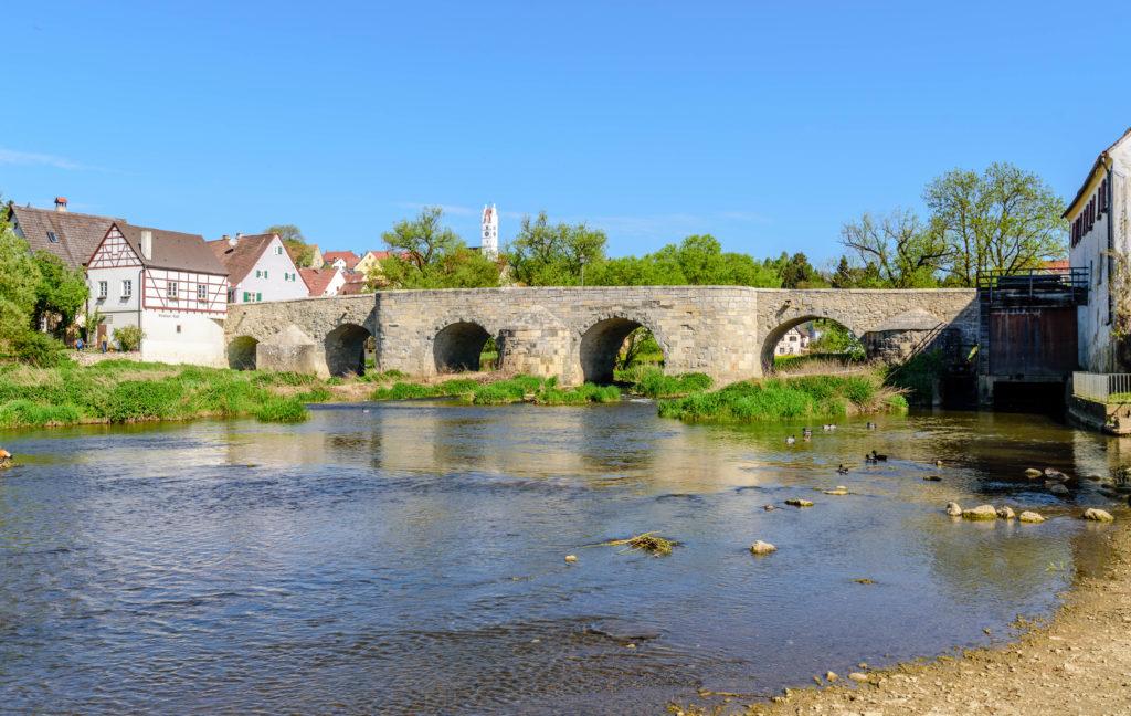 ヴェルニッツ河と石橋