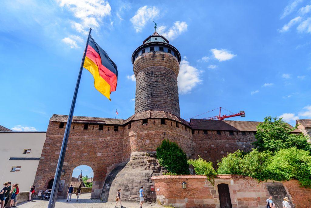 ニュルンベルク 要塞とドイツの国旗