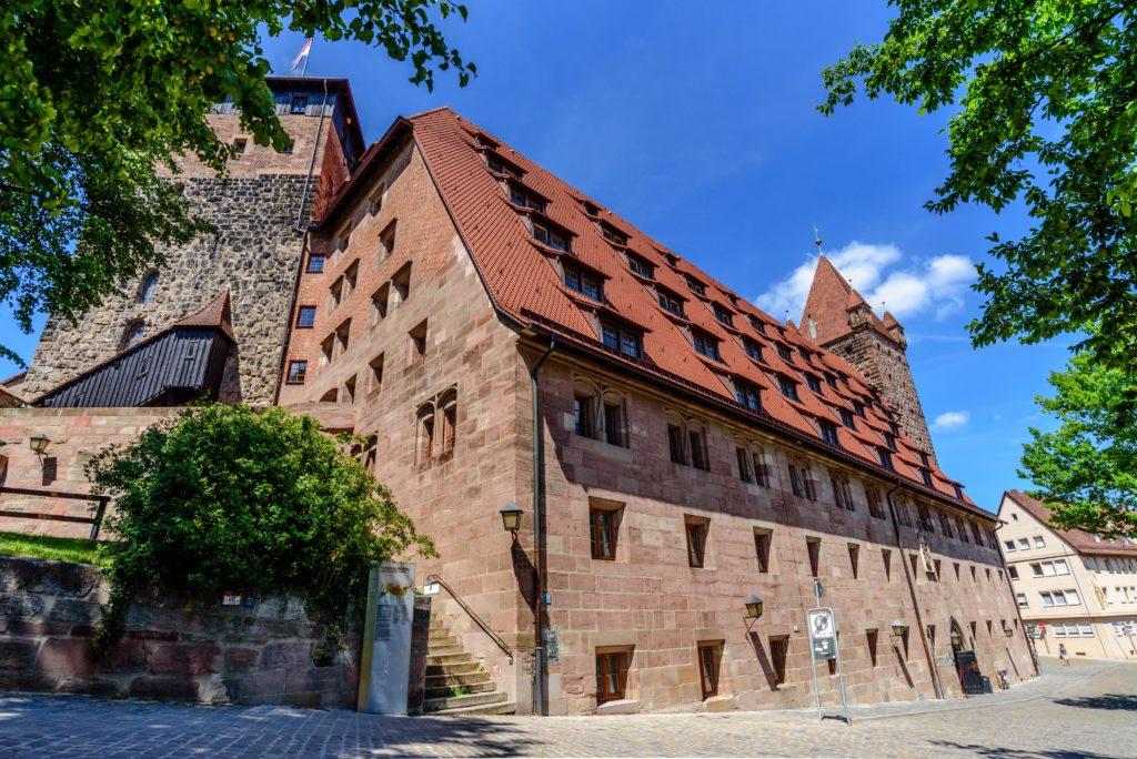ニュルンベルク の城塞と大きな家屋