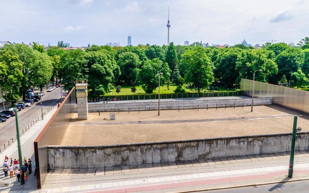 ベルリン の壁 慰霊碑 / Gedenkstätte Berliner Mauer