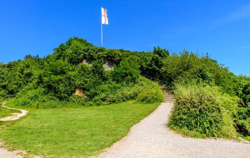 フライブルク 城山の頂にはためく旗