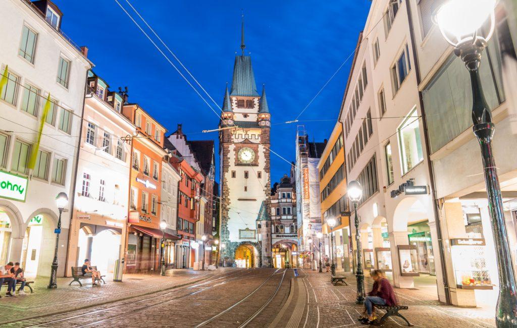 フライブルク 夜のマルチン塔