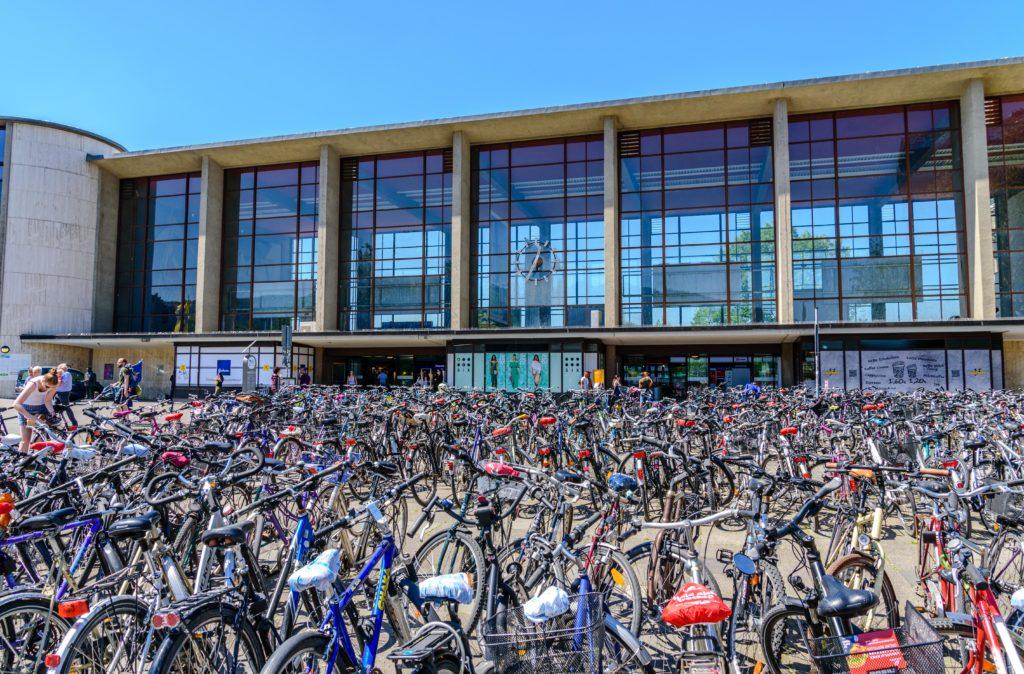 ハイデルベルク 駅前に並ぶ大量の自転車