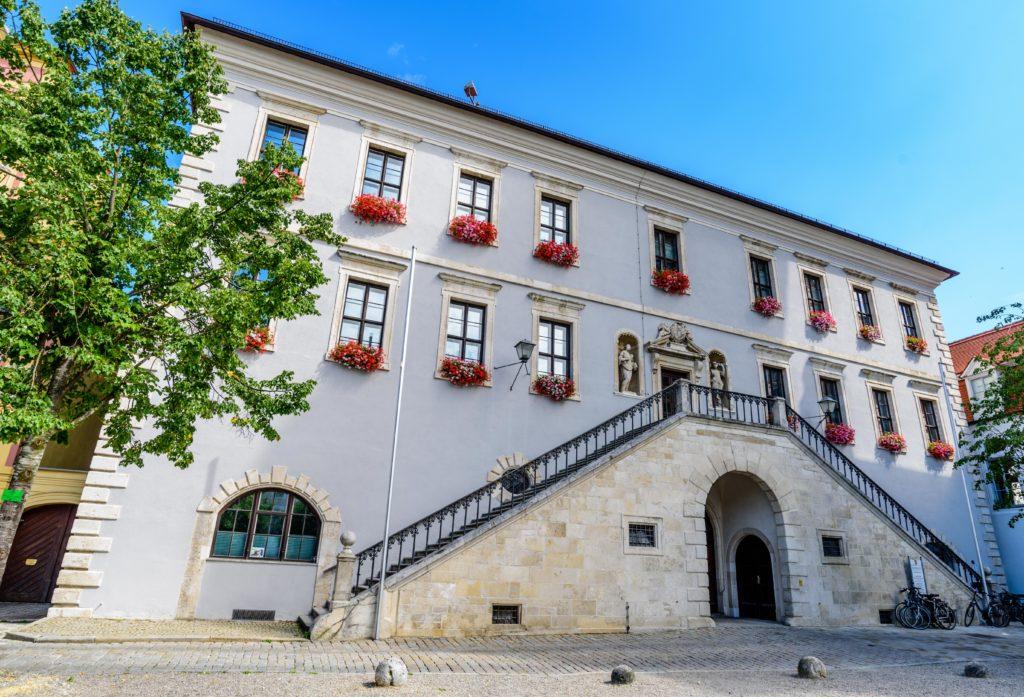 ノイブルク 市役所