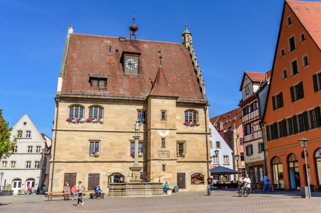ヴァイセンブルク 旧市庁舎 側面