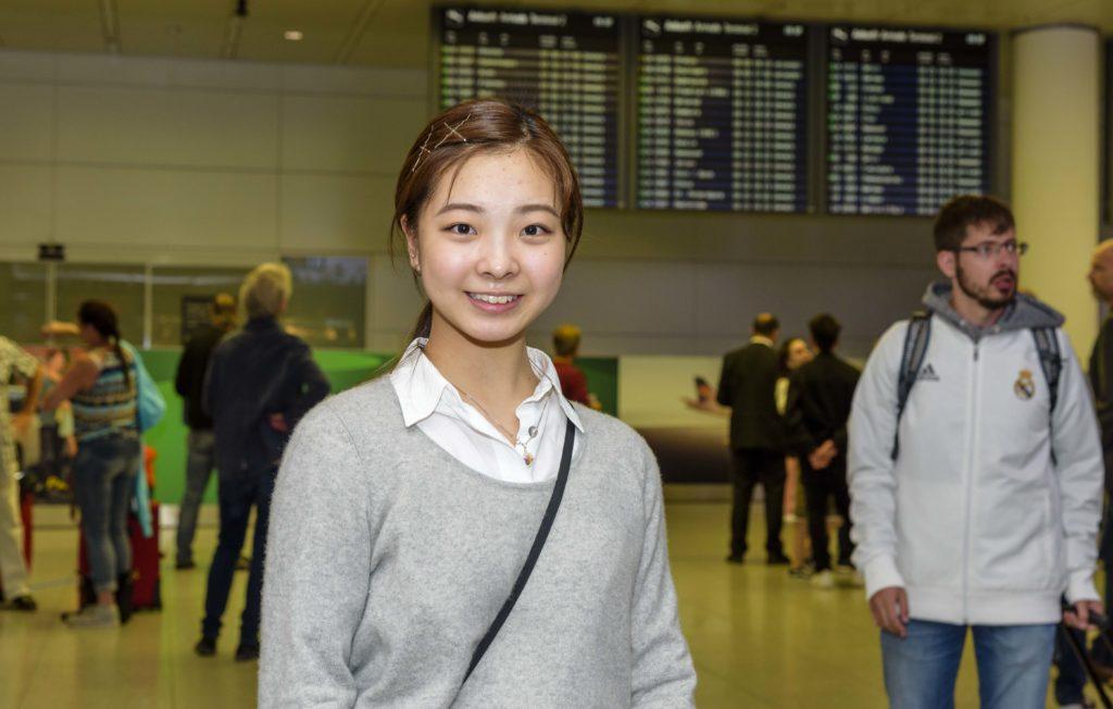 ミュンヘン空港に到着した留学生