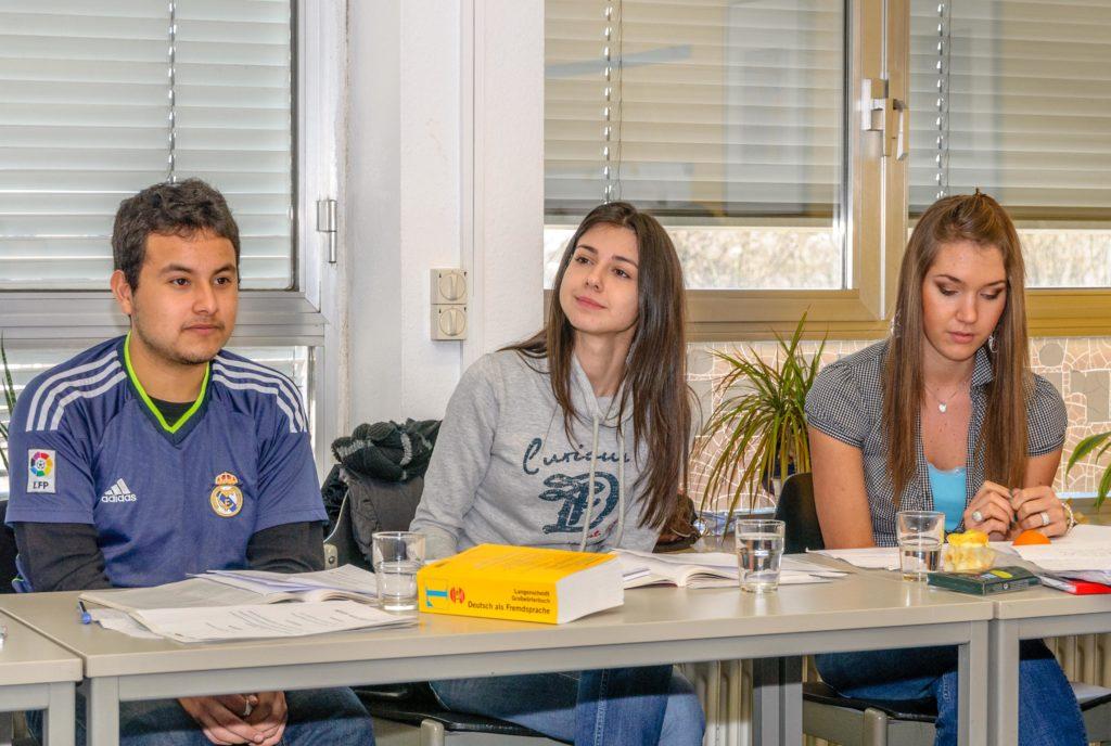 ドイツの語学学校 で授業中の生徒達