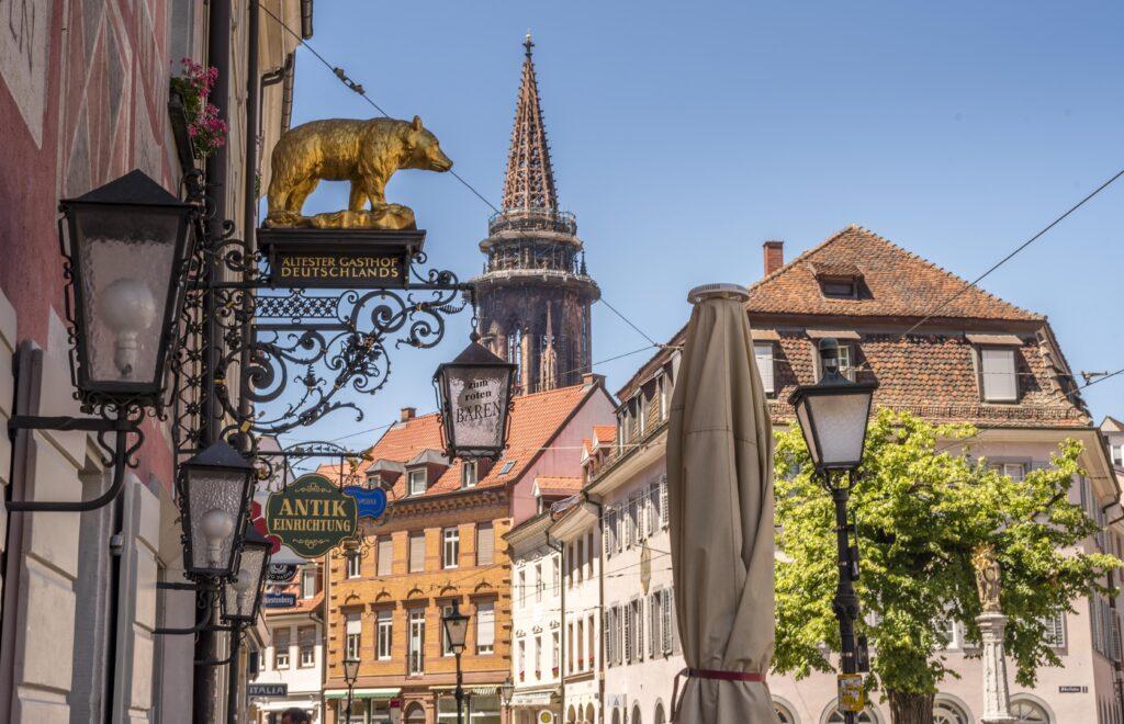 フライブルク 観光 - 銀の採掘で栄えた黒い森の大学街