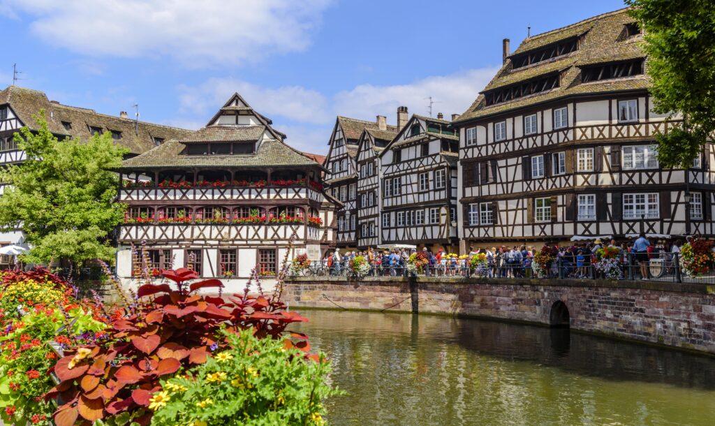 ドイツの観光名所 中世の姿のまま残ってるアルザス