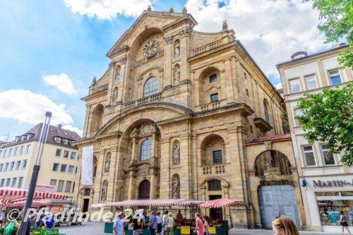 バンベルク 大きな石でできた教会