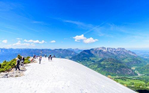 ベルヒテスガーデン 山頂の雪