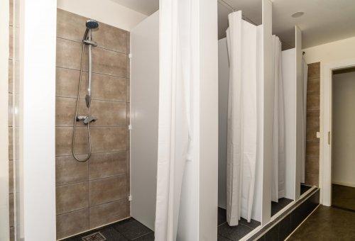 学生寮シャワー室
