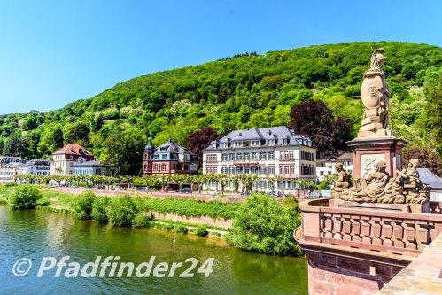 ハイデルベルク ネッカー河と石橋、石像